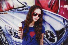 Foto: Paul Berends  Styling: Kik Scheele  Hair: Tommy Hagen Vice Magazine, Round Sunglasses, Hair, Fashion, Whoville Hair, Moda, Fasion, Trendy Fashion, La Mode