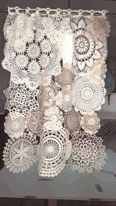 Tendina tricot Shabby style – 2019 - Lace Diy Tendina tricot Shabby style 2019 Tendina tricot Shabby style The post Tendina tricot Shabby style 2019 appeared first on Lace Diy. Doilies Crafts, Lace Doilies, Crochet Doilies, Fabric Crafts, Sewing Crafts, Sewing Projects, Filet Crochet, Crochet Projects, Crochet Curtains