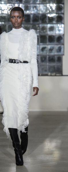 David Koma Fall-winter - Ready-to-Wear Winter Dresses, Dress Winter, Sandra Backlund, Christopher Bailey, David Koma, Pencil Skirt Black, Evening Outfits, Dress Rings, Rachel Comey