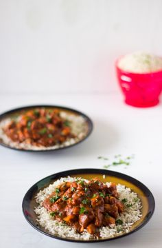 A healthier but decadent and creamy version of your favourite butter chicken that is cooked in only one pan! This is served with flavourful basmati rice.