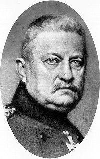 """Karl von Bülow, chef 2e. Armee 1914 - Les instructions du G.Q.G. allemand sont souvent erronée ou parviennent trop tard. Le 7 septembre [1914] Bülow dira, a propos des complications survenues entre les 1re. et 2e. Armée: """"Je désespere de l'intervention utile du G. Q. G."""""""