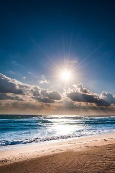 Sunrise on the beach and ocean! Beautiful Sunset, Beautiful Beaches, Beautiful World, Amazing Sunsets, Beautiful Morning, Simply Beautiful, Sea And Ocean, Ocean Beach, Playa Beach