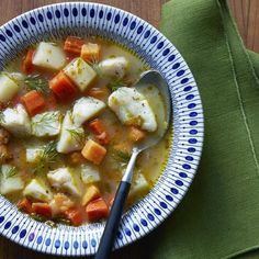 Cod Fish Chowder and 9 other slimming Scandinavian recipes Fish Recipes, Real Food Recipes, Soup Recipes, Cooking Recipes, Healthy Recipes, Ninja Recipes, Meatball Recipes, Scandinavian Diet, Scandinavian Recipes