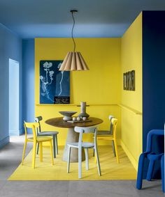 makes any space brighter, more creative and . some genius ways to decorate with yellow walls living room kitchen bedroom Yellow Wall Decor, Yellow Walls, Bedroom Yellow, Bedroom Wall Designs, Yellow Interior, Indian Living Rooms, Office Interior Design, Luxury Interior, Room Colors