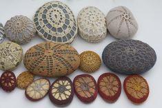 Margaret Oomen crocheted stones
