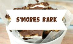 S'Mores Bark S'mores are fall's favorite treat. Not only do you get to cozy up to a fire while you make them, but they are so ooey and gooey and delicious. Not all of us have access to a bonfire whenever we feel the urge to enjoy a s'more, so that is where s'mores bark comes in. You can make this inside and...  Read More at http://www.chelseacrockett.com/wp/food-2/smores-bark/.  Tags: #Baking, #Fall, #FallSnacks, #FallTreats, #Recipe, #SMores, #SMoresBark, #Sweet