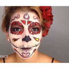 Hermoso maquillaje, halloween Por: @face2facem canción: moonlight macleod)