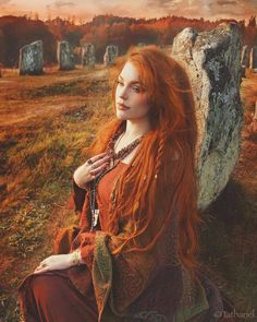 Hair Care Tips That You Shouldn't Pass Up. If you don't like your hair, you are not alone. Beautiful Red Hair, Gorgeous Redhead, Witch Hair, Red Hair Woman, Fantasy Photography, Witch Aesthetic, Beltane, Grunge Hair, Redheads