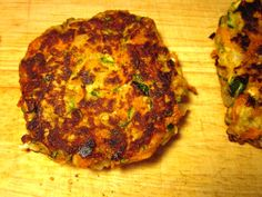 A different Zucchini Burger inspired by the Ruby Tuesday sliders! Burger Recipes, Copycat Recipes, New Recipes, Cooking Recipes, Favorite Recipes, Burger Ideas, What's Cooking, Yummy Recipes, Recipies