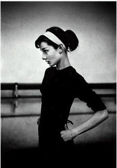 Audrey Hepburn in the dance studio, stunning as always