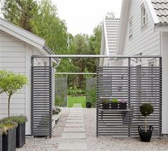 Spaljé wooden patio integrated shelf