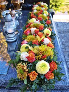 Grave Decorations, Flower Decorations, Table Decorations, Fall Flowers, Diy Flowers, Wedding Flowers, Deco Floral, Arte Floral, Funeral Arrangements