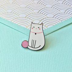 Chat mignon émail épinglette adorable chat laine par NutmegandArlo