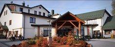 Dom Weselny w Moszczenicy u Pasonia Dom, Cabin, House Styles, Home Decor, Decoration Home, Room Decor, Cabins, Cottage, Home Interior Design