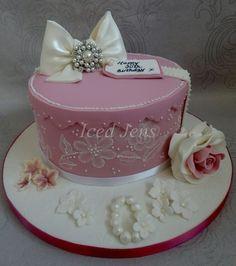 Vintage Hatbox Cake