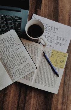 Motivación para estudiar: Reprobé y ahora qué hago? Actividad Extracurricular, Cheap Textbooks, Study Organization, School Study Tips, Study Space, Coffee And Books, Study Hard, School Notes, Studyblr