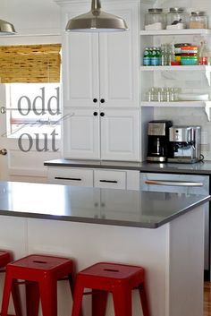 Oh, how I want open shelving in the kitchen...