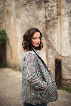 When Laura Donnelly gets on stage to portray Caitlin Carney in The Ferryman, she's not only stepping into a character, she's also preparing to share a bit of her own life story. Laura Donnelly, Inspiring Women, Sam Heughan, Merlin, Outlander, Besties, Bbc, Broadway, Crushes