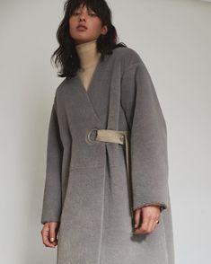 We got a few back 🙀 Grey Fashion, Kimono Fashion, Hijab Fashion, Fashion Outfits, Womens Fashion, Kaftan, Military Inspired Fashion, Cool Coats, Minimal Outfit