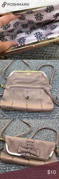Jessica simpson Crossbody bag in very good condition Jessica Simpson Bags Crossbody Bags