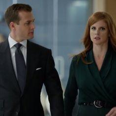 Suits Tv Series, Suits Tv Shows, Donna Suits, Donna Paulsen, Sarah Rafferty, Suits Usa, Gabriel Macht, Harvey Specter, Suit Jacket