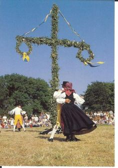 Midsommer in Sweden Swedish Traditions, Family Traditions, Kingdom Of Sweden, Scandinavian Countries, Sweden Travel, Beltane, Scandi Style, Summer Solstice, Witches