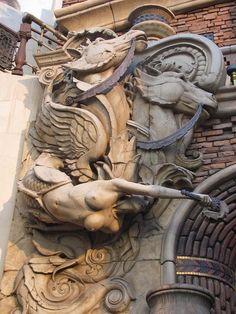 Body on wall entrance to Treasure Island Lobby Casino Art Sculpture, Angel Sculpture, Wood Carving Art, Wood Art, Art Nouveau, Art Station, Treasure Island, Ancient Art, Garden Art