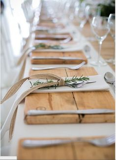Wood Placemats, Rustic Wedding, Rustic Christmas, Rustic Thanksgiving, Rustic Table Fresh rosemary not only has a good fragrance but also Rustic Thanksgiving, Rustic Christmas, Thanksgiving Wedding, Thanksgiving Tablescapes, Christmas Deco, Vintage Christmas, Wedding Table Settings, Place Settings, Rustic Table Settings