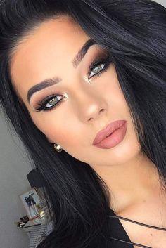 Best Winter Makeup Looks For Your Inspiration; Makeup Looks; Winter Makeup Looks; Smoking Eye Makeup Looks; Trendy Makeup Looks; Latest Makeup Looks; Homecoming Makeup, Prom Makeup, Cute Makeup, Gorgeous Makeup, Pretty Makeup, Simple Makeup, Hair Makeup, Makeup Tips, Makeup Hacks