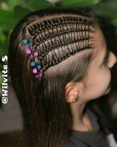Perdón por la mala calidad de las fotos, está lloviendo mucho y no he podido tomarlas al exterior 😢 Este peinado está inspirado en Sandra… Easy Hairstyles, Girl Hairstyles, Prom Hair, Bobby Pins, Braids, Hair Accessories, Beauty, Instagram, Cute Hairstyles