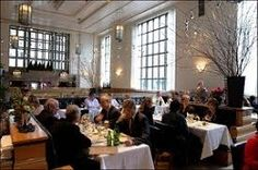 Eleven Madison Park in New York features soaring ceilings and magnificent windows with terrazzo floors and walls which create a sense of grand theatricality. Eleven Madison Park, Madison Avenue, Park Restaurant, Luxury Restaurant, Restaurant Interiors, Restaurant Ideas, Park In New York, Top Restaurants, Manhattan Restaurants