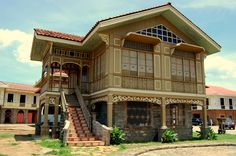 Old house in philippine house patterns filipino house. Filipino Architecture, Philippine Architecture, Tropical Architecture, Old House Design, Cool House Designs, Bahay Kubo Design Philippines, Filipino House, Philippine Houses, House Plans With Pictures