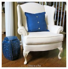 it worked! - 2 Bees in a Pod - DIY - Painted wing chair upholstery – turned out beautifully - Painting Fabric Furniture, Paint Upholstery, Living Room Upholstery, Upholstered Furniture, Painted Furniture, Paint Fabric, Upholstery Repair, Upholstery Cushions, Diy Painting