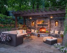 40 Best Patio Designs with Pergola and Fireplace - Covered Outdoor Living Space Ideas Pergola Patio, Backyard Patio, Backyard Landscaping, Landscaping Design, Outdoor Rooms, Outdoor Dining, Outdoor Decor, Rustic Outdoor, Outdoor Furniture