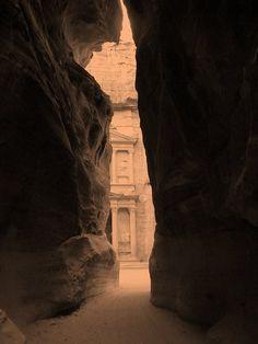 a view (petra - jordania)
