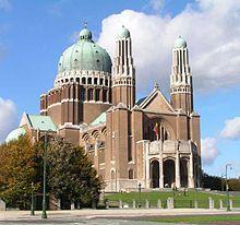 Bélgica - La Basílica del Sagrado Corazón, en Bruselas, es la Basílica Nacional de Bélgica. Simboliza el vínculo histórico entre la monarquía belga y la Iglesia católica.