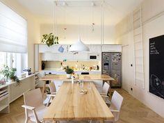 New Town Apartment es un interior minimalista situado en Praga, República Checa