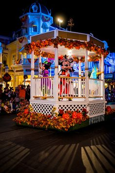 How to choose the least-crowded days for Mickey's Not So Scary Halloween Party.