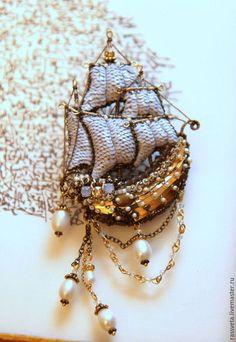 Купить или заказать Резерв Парусное судно ,,Жемчужина,, в интернет-магазине на Ярмарке Мастеров. Славный кораблик размером 8см на 6см без подвесок.Вышит пайетками нежно голубого цвета.Фурнитура золото-бронза.…