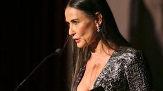 Schock-Foto: Was ist mit ihrem Gesicht passiert? Huch, wie sieht denn Demi Moore plötzlich aus? Die Hollywood-Schauspielerin scheint um 20 Jahre gealtert zu sein. Zwei Schönheitsexperten beschreiben, was passiert sein könnte ...