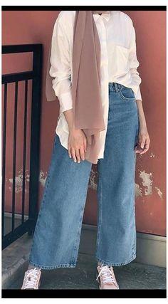 Hijab Fashion Summer, Street Hijab Fashion, Muslim Fashion, Casual Hijab Outfit, Hijab Chic, Hijab Fashion Casual, Mom Jeans Outfit Summer, Outfit Jeans, Hijab Fashionista