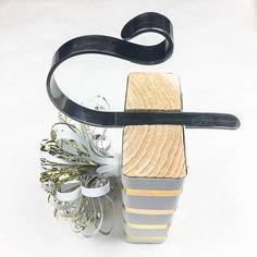 Use up those scrap 2 x 4 pieces to create these gorgeous DIY stocking holders! | Pretty Handy Girl | #prettyhandygirl #christmas #diyproject #diytutorial #stockingholder #diychrismasdecor #homedecor #holidaydecor #diyholidaydecor Scrap Wood Projects, Diy Craft Projects, Craft Tutorials, Garden Projects, Christmas Projects, Diy Christmas, Holiday Crafts, Holiday Ideas, Diy Stocking Holder