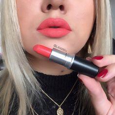 Lipstick Kit For Travelling Make up Summer Lipstick, Lipstick For Fair Skin, Lipstick Art, How To Apply Lipstick, Lipstick Quotes, Mac Lipstick Shades, Mac Lipstick Colors, Purple Lipstick, Mac Shades