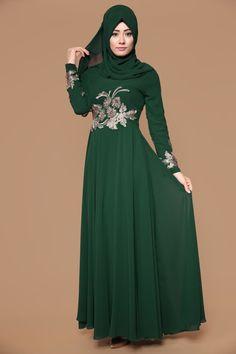 ** BU İNDİRİM KAÇMAZ ** Gizem Şallı Şifon Abiye Elbise  Zümrüt Ürün kodu: YGS5050-S--> 109.90 TL Abaya Fashion, Muslim Fashion, Indian Fashion, Fashion Dresses, Womens Fashion, Modele Hijab, Lace Dress Styles, Fantasy Gowns, Dress Indian Style
