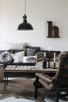 I love how industrial this is while still being cozy :)