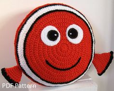 My orange fish friend crochet cushion / pillow pattern - Anne Alster