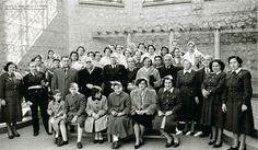 Presas de Franco - Mujeres jóvenes que, vinculadas a la política de la mano de las reformas republicanas, fueron castigadas por su osadía -la osadía de desafiar al fascismo, pero también a una sociedad patriarcal de raíces seculares con largas penas de cárcel e incluso con la muerte.
