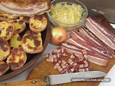 potato halves, panceta, sour cabbage, onion - good hearty food for Lika highlanders Croation Recipes, Sour Cabbage, Best Bacon, Highlanders, Serbian, Savoury Dishes, Summer Salads, Sour Cream, Onion