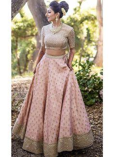 Kinas Designer Represent this Beautiful Designer Bridal Lehenga Choli in 2019 Indian Gowns Dresses, Indian Fashion Dresses, Indian Designer Outfits, Designer Dresses, Dresses Art, Bridal Dresses, Designer Bridal Lehenga, Indian Bridal Lehenga, Indian Bridal Outfits