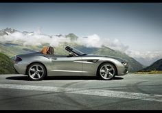 World Debut: The Beautiful BMW Zagato Roadster http://onforb.es/NsMVfT